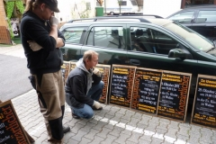 2011 Plakate kleben 010