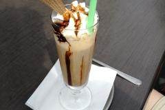 ... mit leckersten Eis- und Kaffeekreationen.