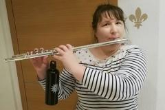 Dank der neuen Trinkflasche ist diese Flöte nun bereit für den nächsten Umzug - selbst unter den heißesten Bedingungen!